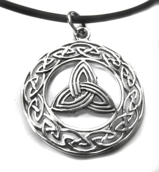 Anhänger Dreiecksknoten im keltischen Ring Silber
