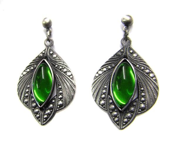 Ohrringe Medieval Gothic antik silberfarben mit grünen Glassteinen