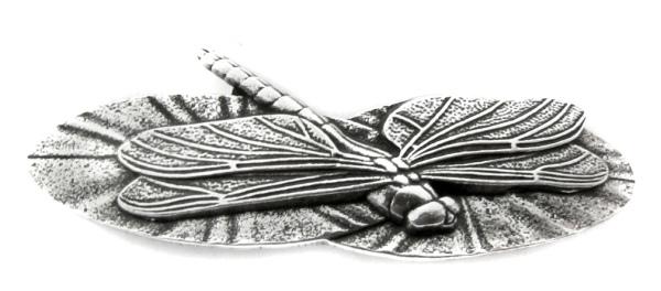 Haarspange Libelle auf Seerosenblätter