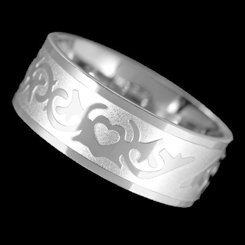 Herz mit Tribal Ring